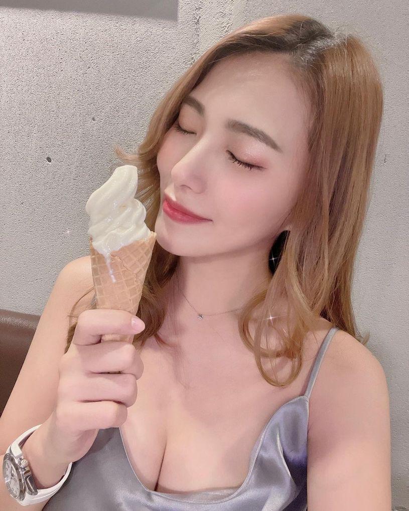 高挑正妹Rina又晞,瑜珈服曲线好辣,有够吸睛!-新图包