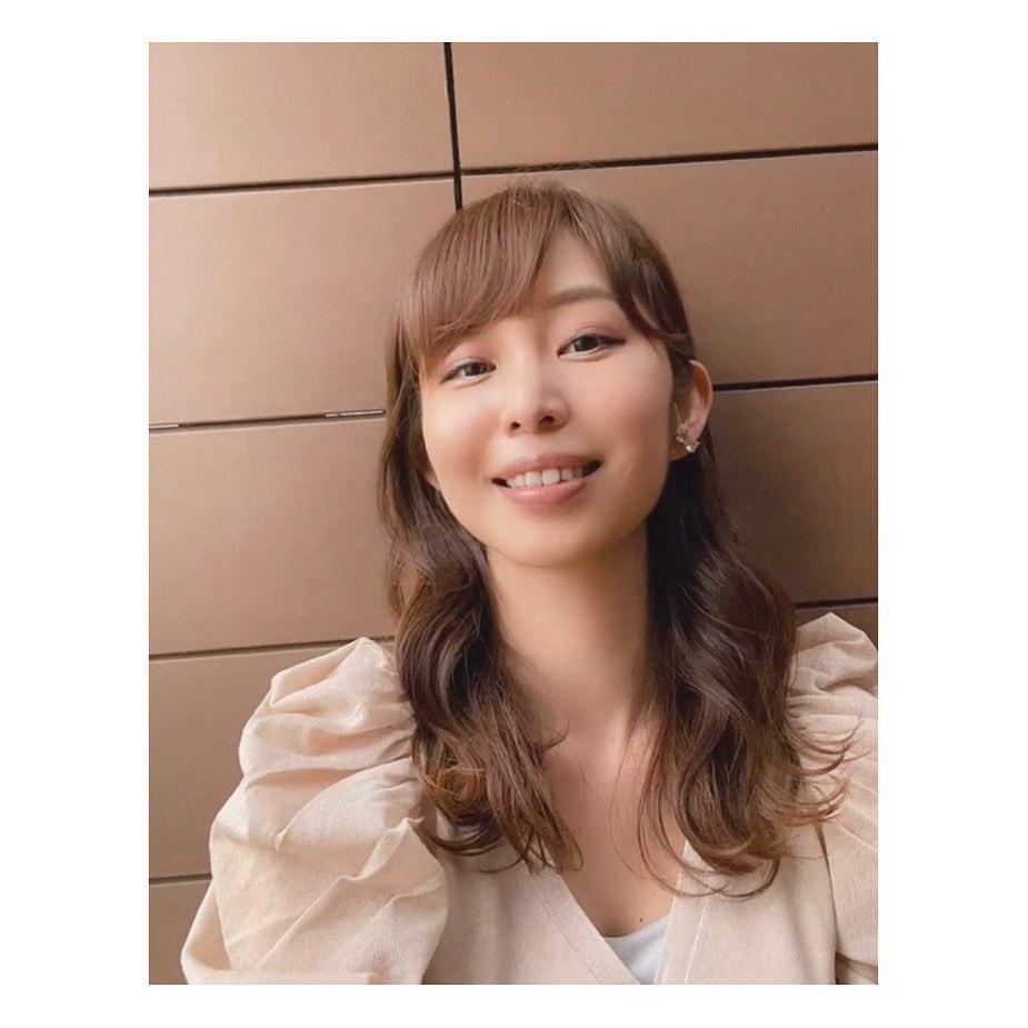 东北第一女主播塩地美澄微笑抿嘴魅惑表情 养眼图片 第6张
