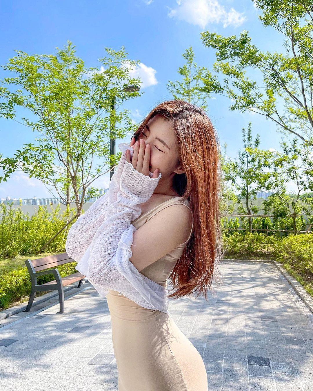 清凉穿着自己卖 [韩国泳衣阙娘Yebin]亲自试穿性感度满点 养眼图片 第17张