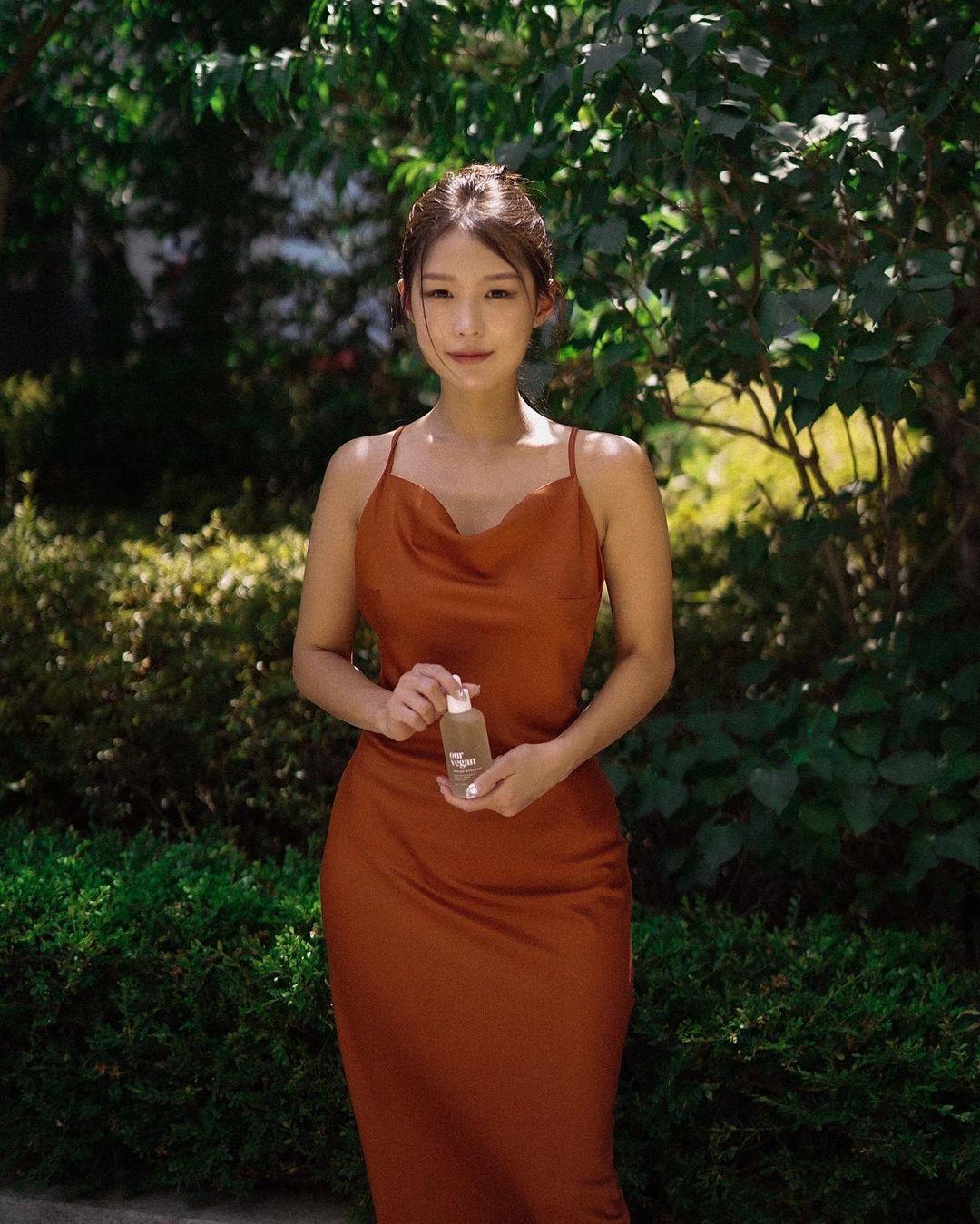 韩国高尔夫正妹Becky 狂吸 33 万粉丝好身材更让人心动 养眼图片 第23张