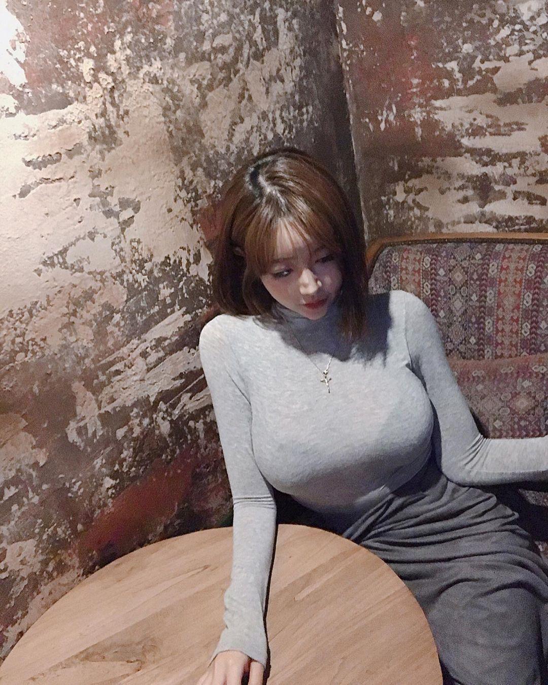 咖啡厅性感姊姊极品视角好迷人@___jummm___ 男人文娱 热图2