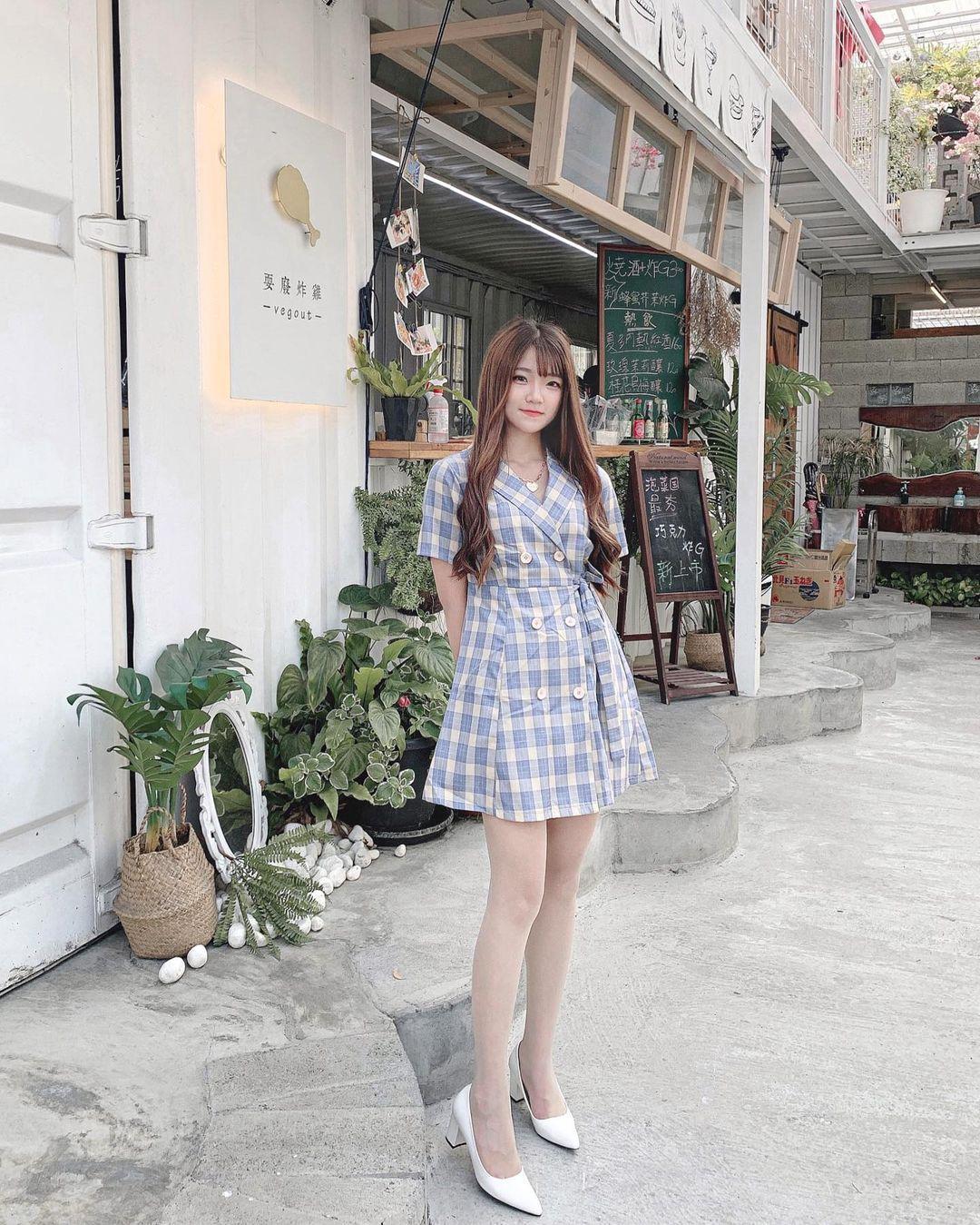 清纯甜美的正妹平面设计师「Chen臻儿」 多才多艺还有好身材!