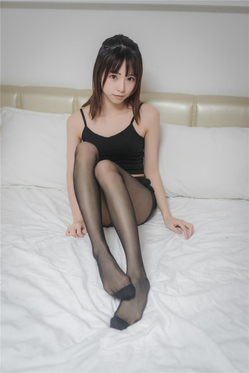 EBOD-437 佐藤美希(田中美久)跪求年轻下属对她疯狂