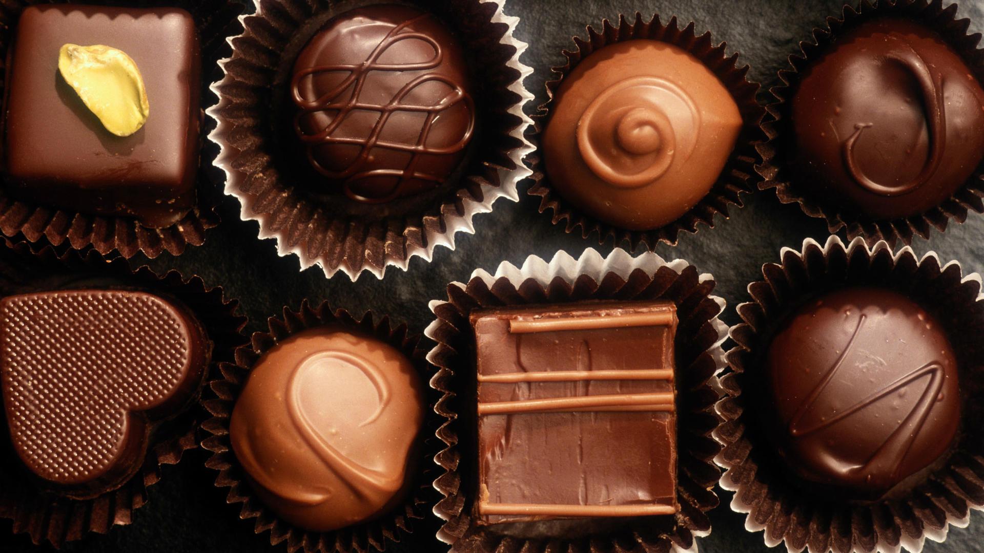 香甜丝滑爱心形状巧克力美食照片大全