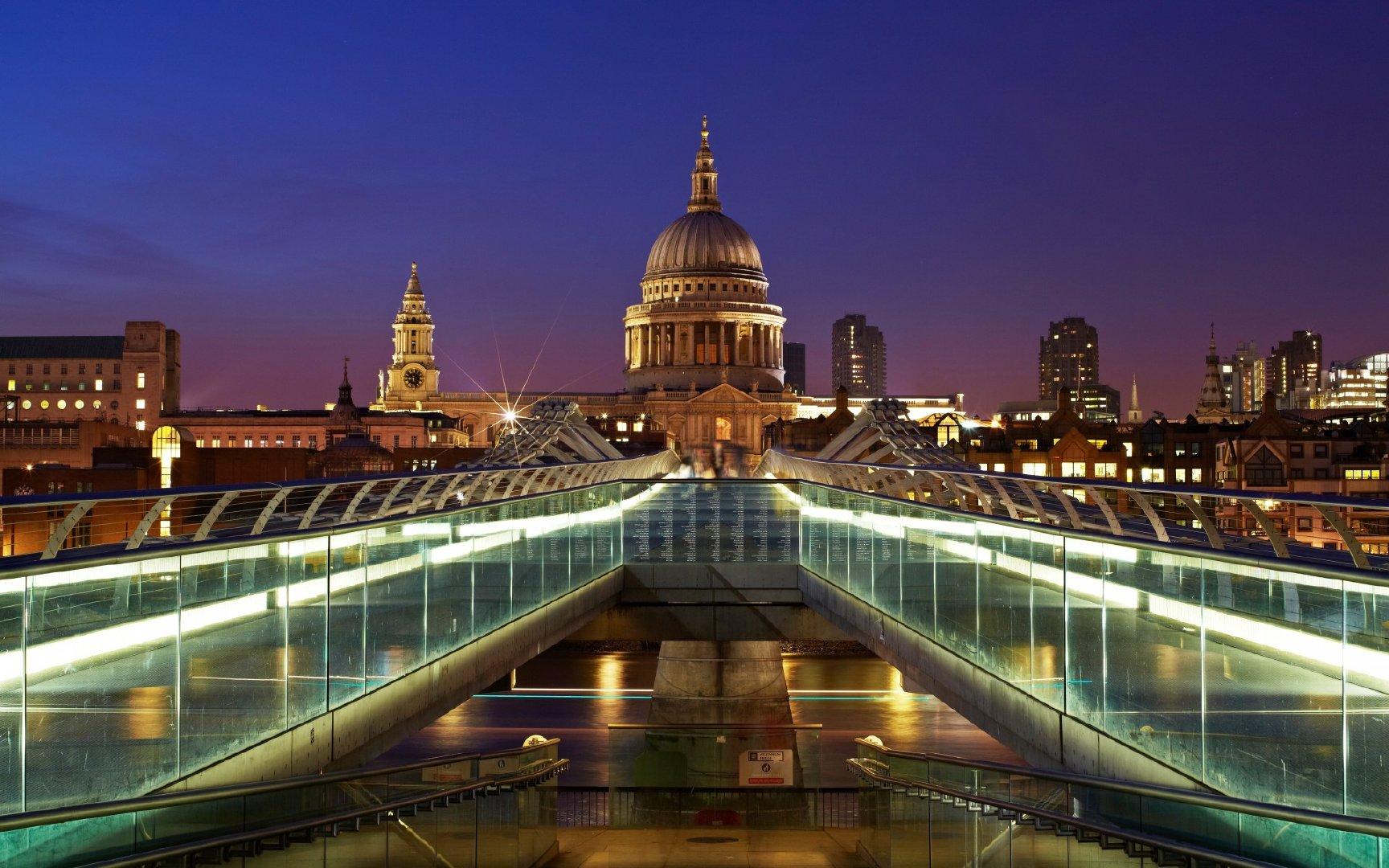 伦敦千禧桥夜景1080P高清壁纸图片