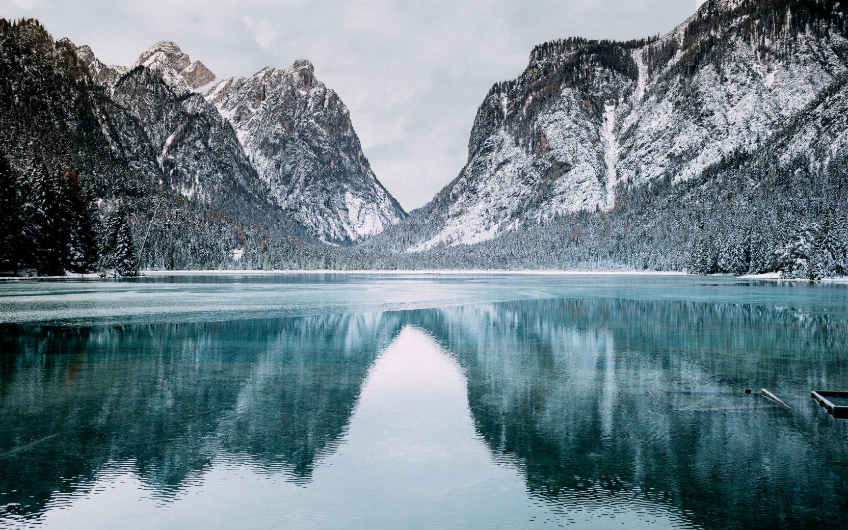 优美的湖泊风景4K超高清壁纸图片