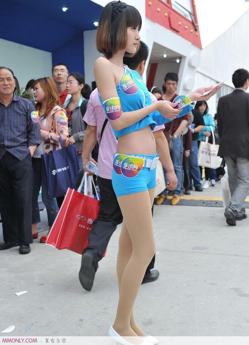 街拍时尚短裤高跟美女高清写真