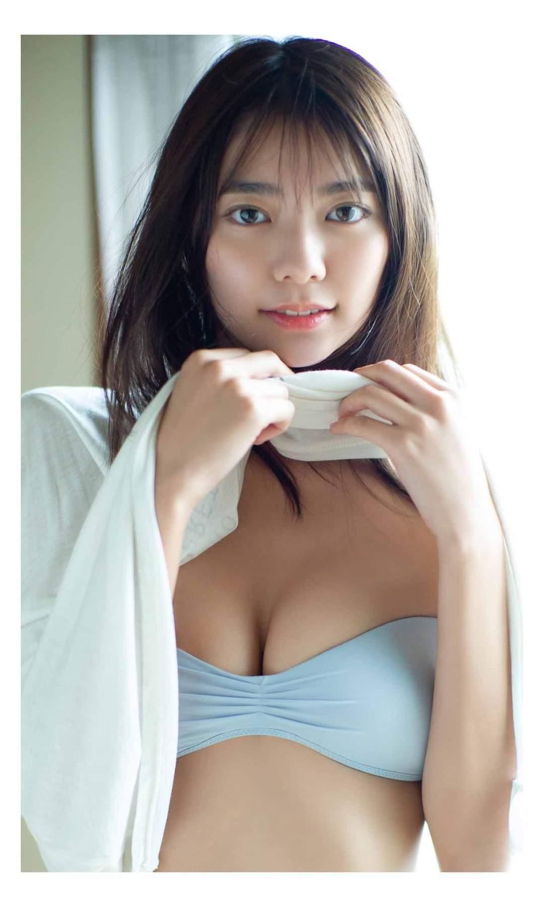 川津明日香 高く、美しく004