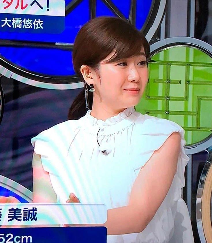 奥运会解说台上的福原爱还在被日本键盘侠狂怼不配 (1)