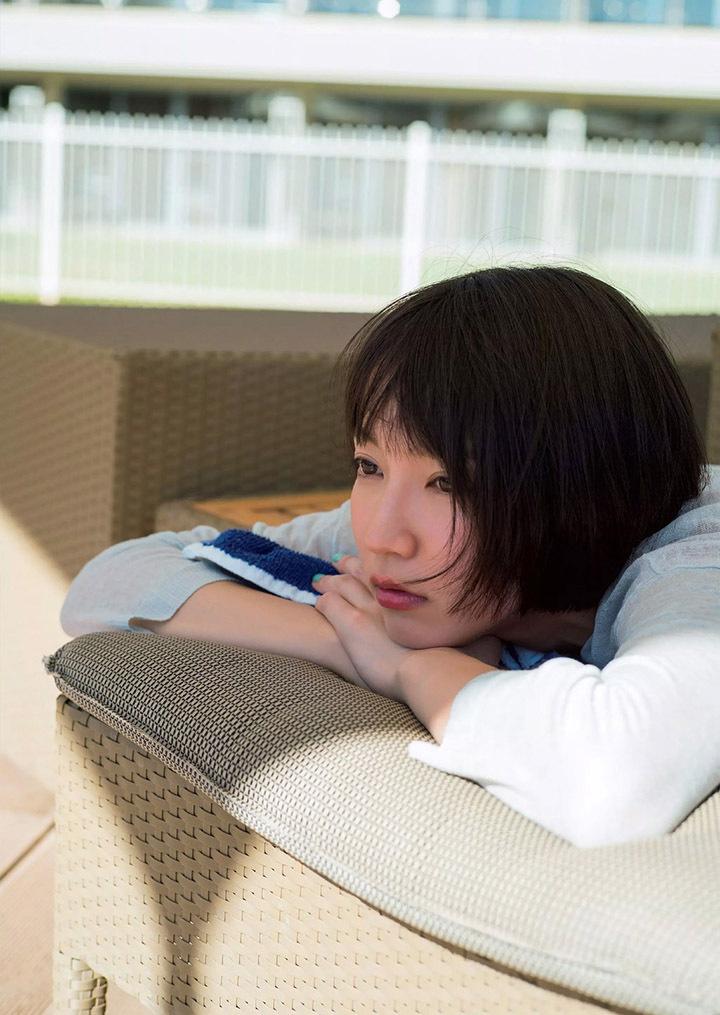 写真女优出身的吉冈里帆每次上映新电影都会拍摄写真作品堆人气 (57)