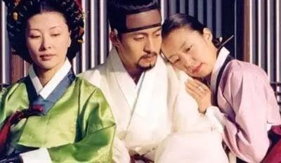 韩国电影《丑闻》揭露那些人性不易发现的忠贞和淫乱