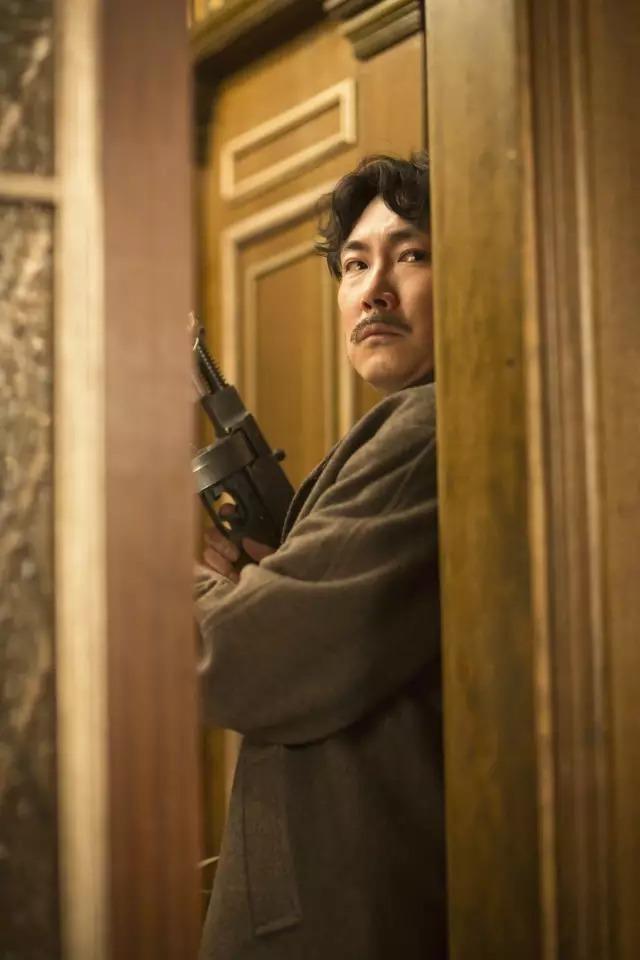 韩国动作电影《暗杀》一睹忠于人性的神枪杀手风采 (10)