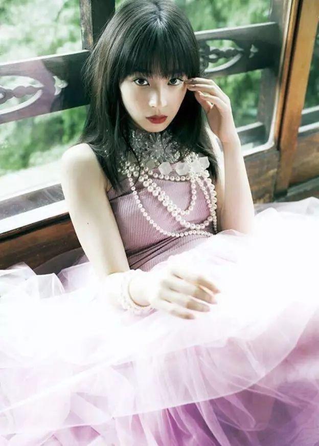20神颜美少女却黑历史比较多的广濑丝丝写真作品 (51)