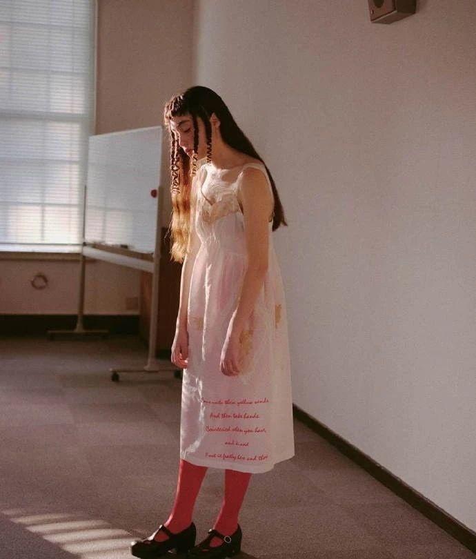 满脸雀斑却依旧很美的混血模特世理奈写真作品 (20)
