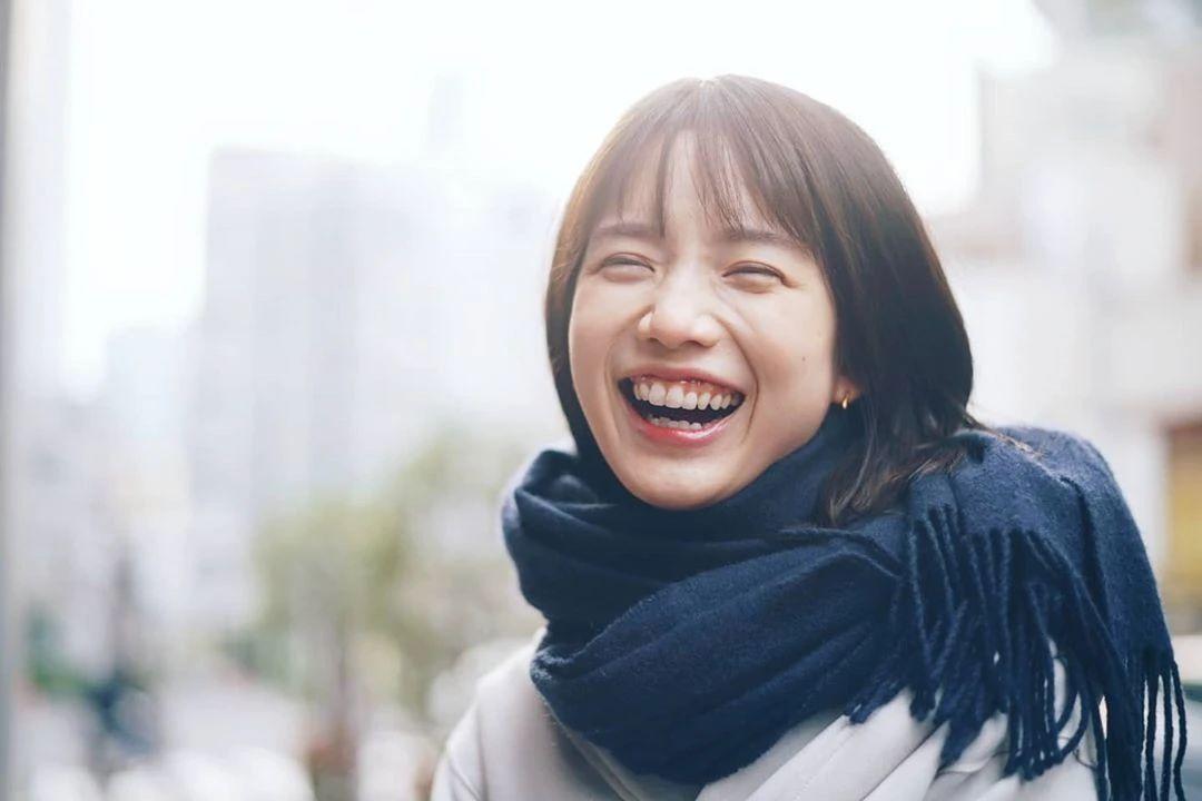 永远一张娃娃脸的棉花糖女孩弘中绫香写真作品 (17)