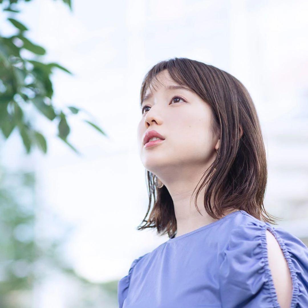 永远一张娃娃脸的棉花糖女孩弘中绫香写真作品 (35)