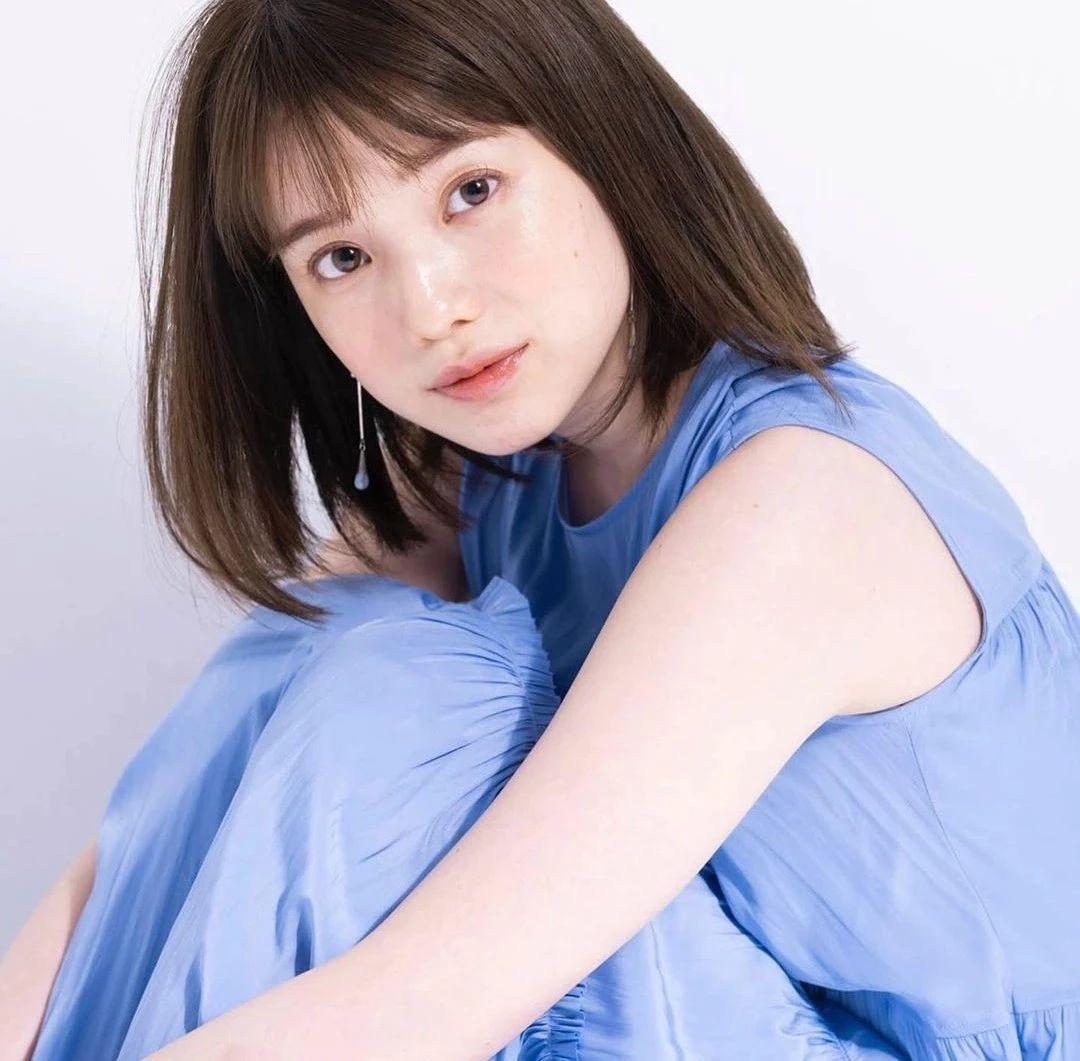 永远一张娃娃脸的棉花糖女孩弘中绫香写真作品 (42)