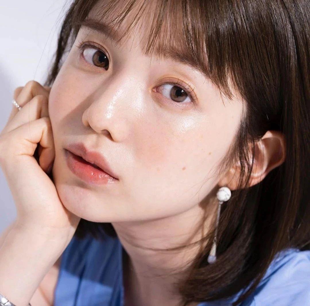 永远一张娃娃脸的棉花糖女孩弘中绫香写真作品 (43)
