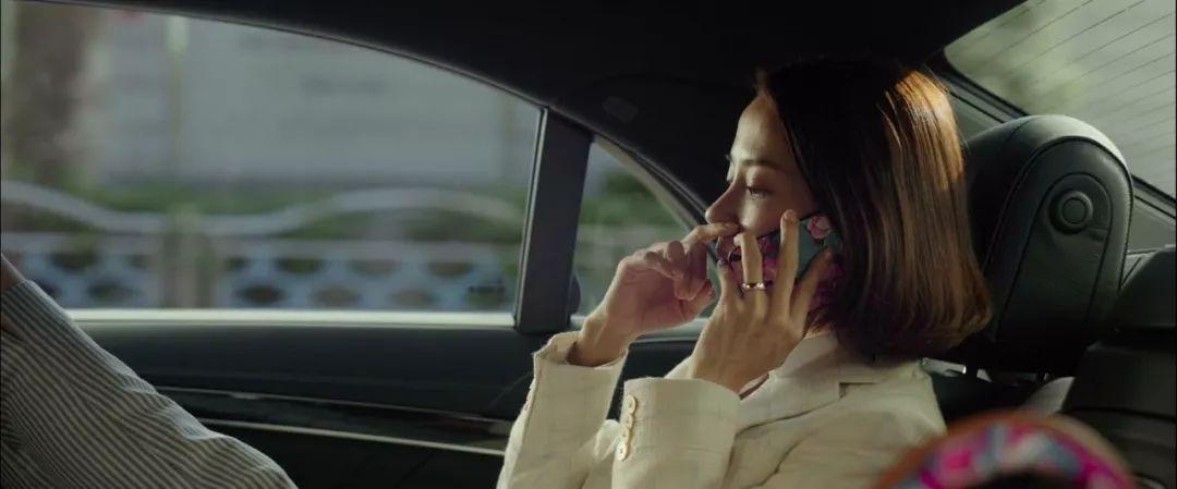 韩国电影《寄生虫》谎言说多了便会迷失自己,且会因此而失去原本就岌岌可危的尊严 (22)