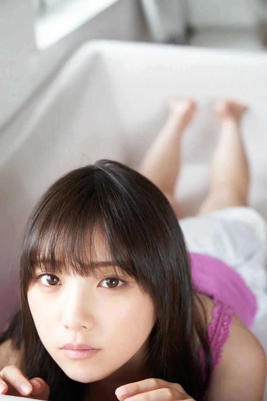 从小美到大的与田祐希《沉默的时间》写真作品 (11)