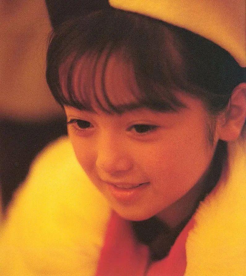 奇迹童颜女演员安达佑实写真作品 (18)