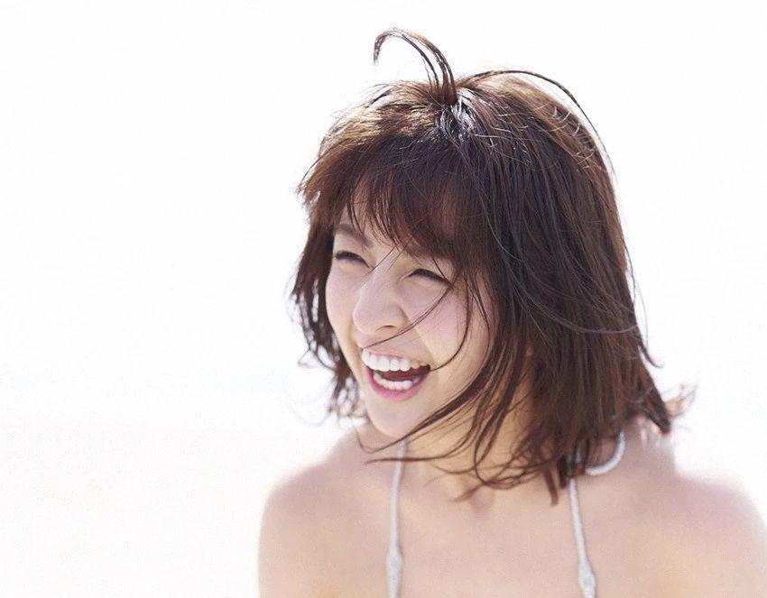 又欲又纯的封面女王柳百合菜写真作品 (27)