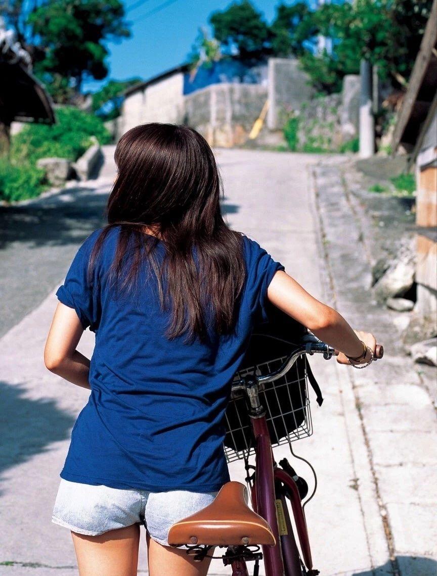 清纯空灵气质的有村架纯写真作品 (9)