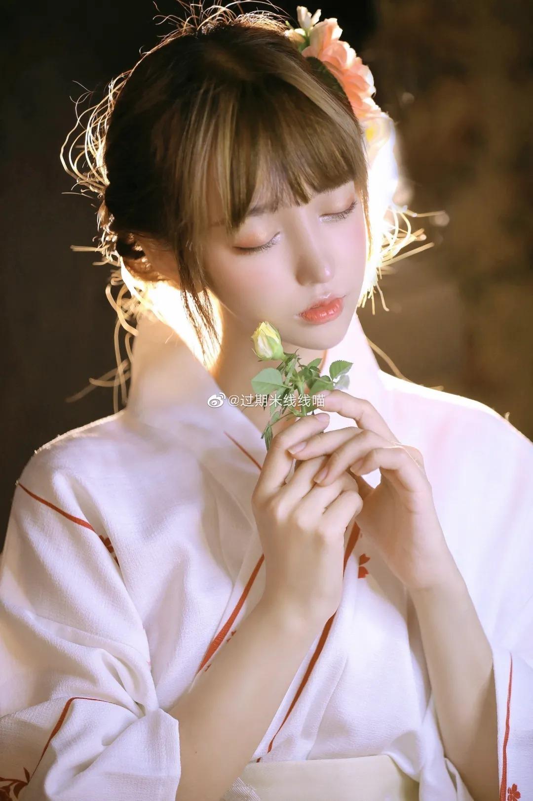人气coser过期米线线喵(米线线SAMA)绝对的秀色可餐清纯美少女 (2)