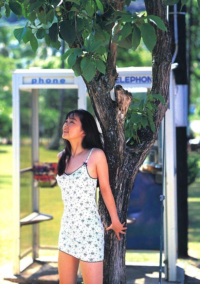 最禁欲魔性之女叶月里绪菜写真作品 (35)