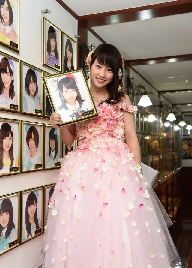 日本明星川荣李奈用自己亲身事实来证明并且所以的英年早婚都会毁事业 (7)