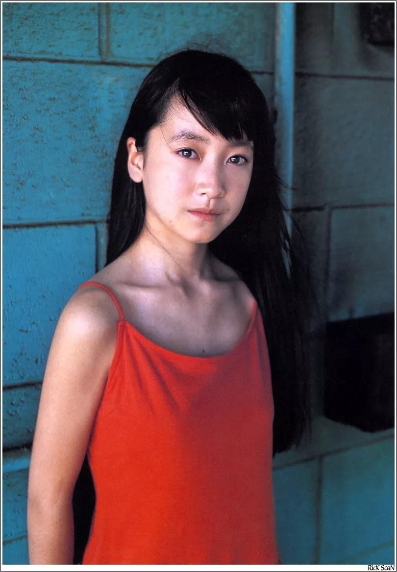 形象纯过蒸馏水的黑川智花《少女觉醒》的写真作品 (57)