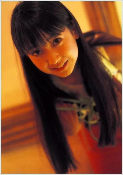 形象纯过蒸馏水的黑川智花《少女觉醒》的写真作品 (108)