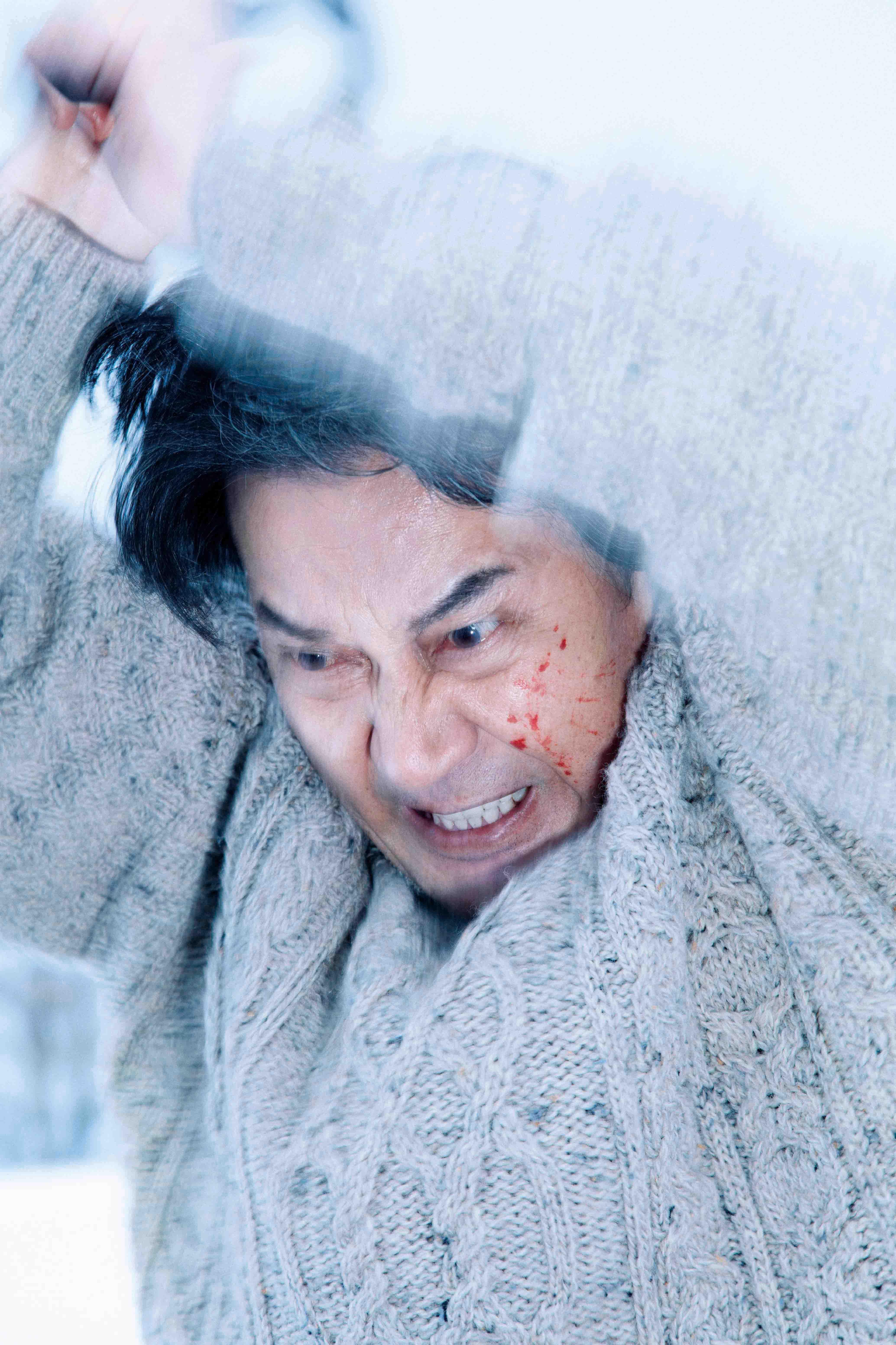 日本悬疑电影《第三度嫌疑人》用自己的死保护了那仅有的一丝人性 (7)