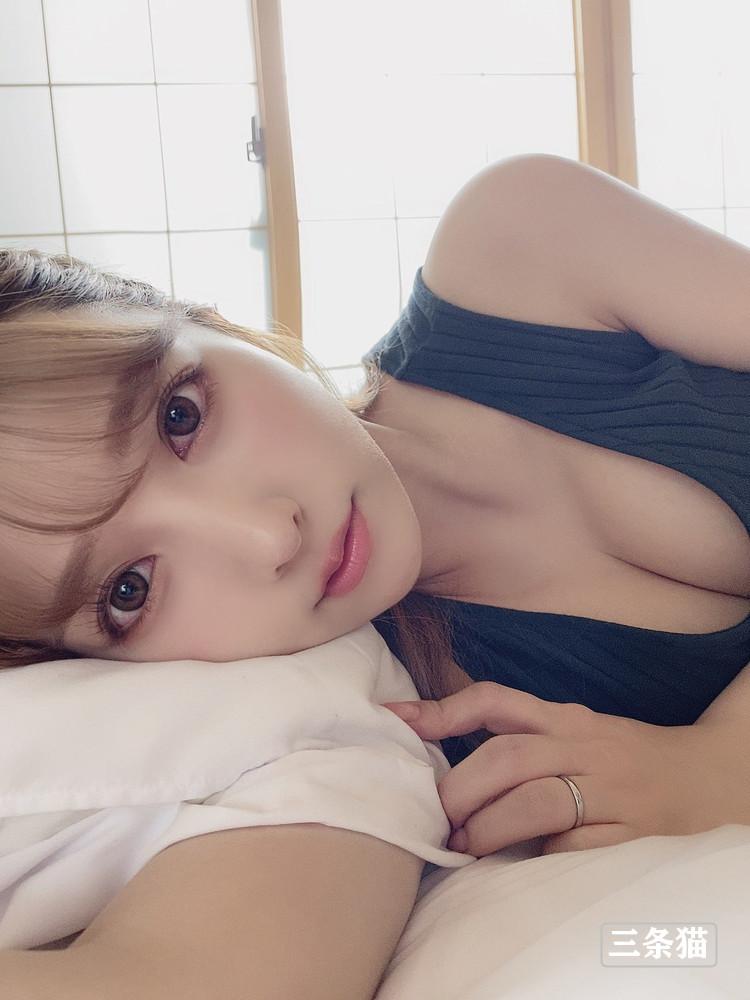 三上悠亜(鬼头桃菜,Mikami-Yua)女仆装展实力 养眼图片 第7张
