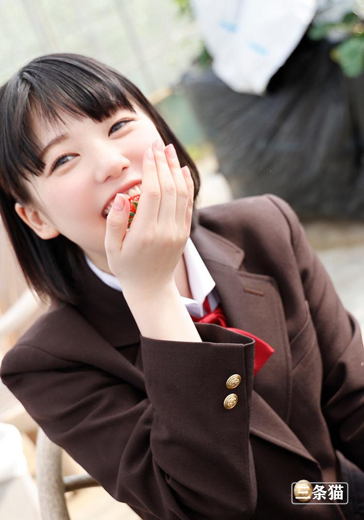 桃乃りん(桃乃铃,Momono-Rin)个人图片,18岁超年轻的妹子 雨后故事 第3张