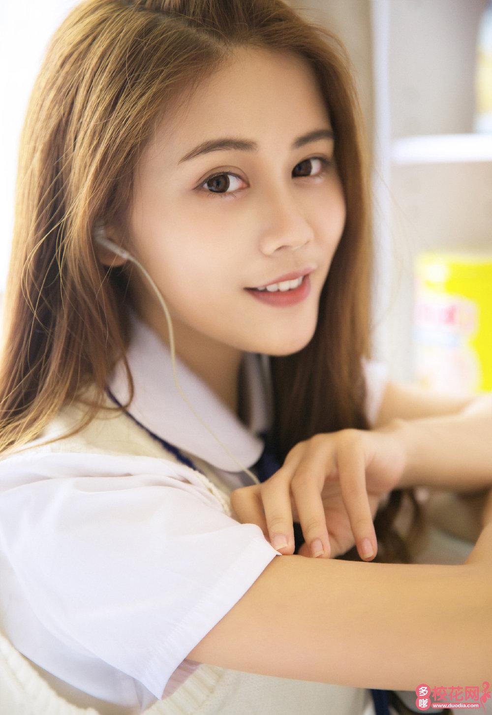 敖汉旗新惠中学美女校花施秀淑艺术摄影