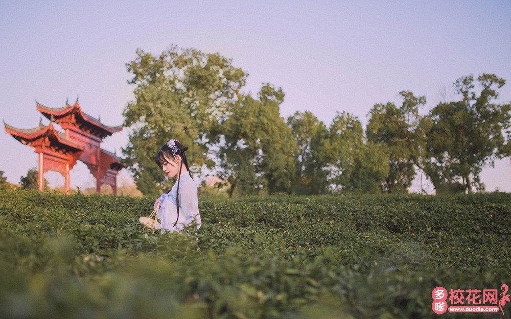 贵州光明高级中学美女校花何茗芬写真图