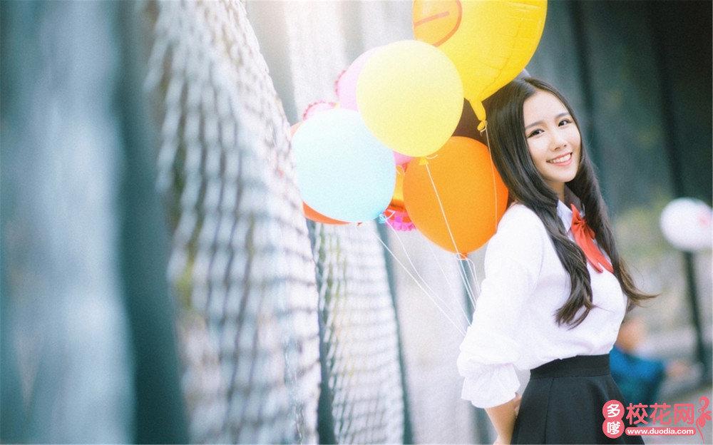 贵阳第十八中学美女校花金素青艺术照
