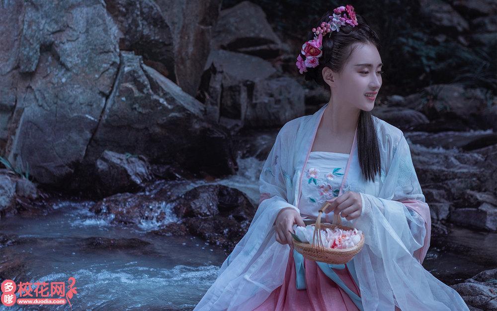 深圳市西丽第二中学美女校花莫颖倩写真图片