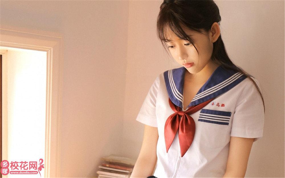 广州市同德南方中学美女校花辛思悦私拍写真