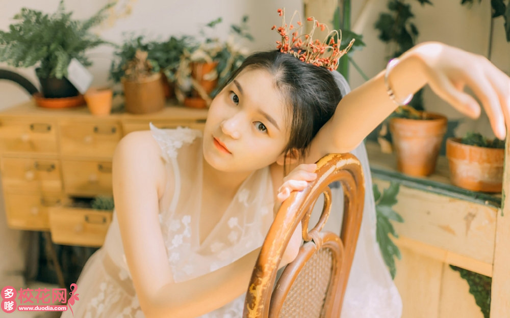 广州市第四十二中学美女校花郭潇潇写真图片