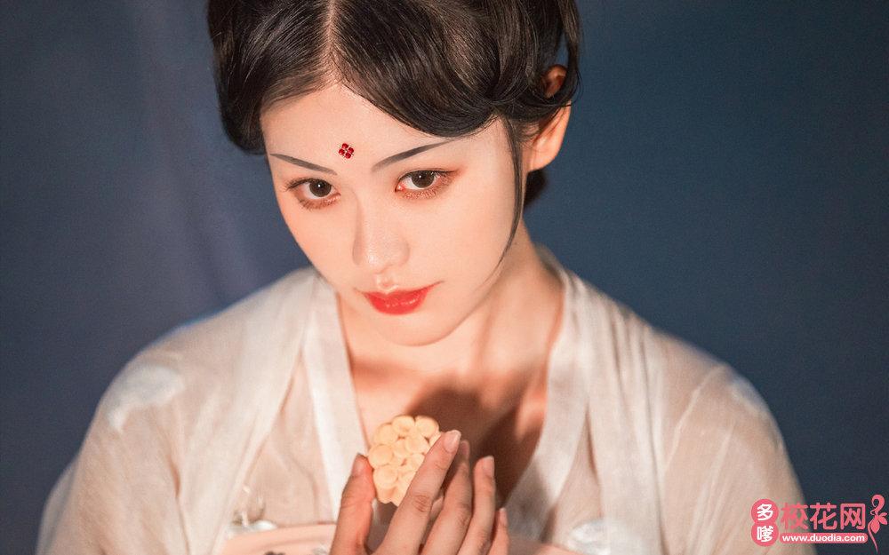 广州市第三十一中学美女校花纪科芬高清照片