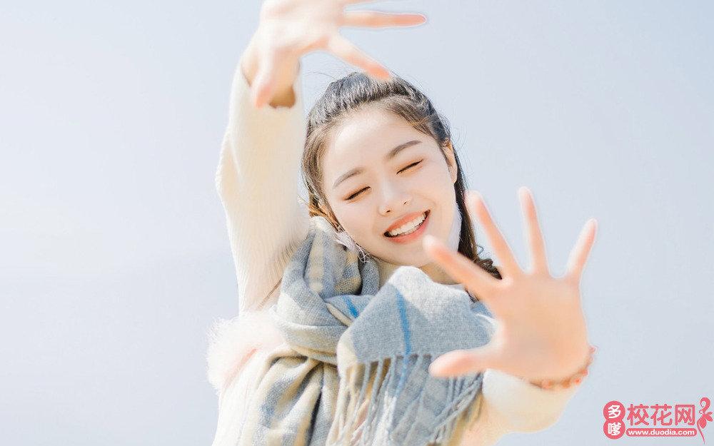 长沙韶光微电子总公司子弟学校美女校花颜连娜私拍写真