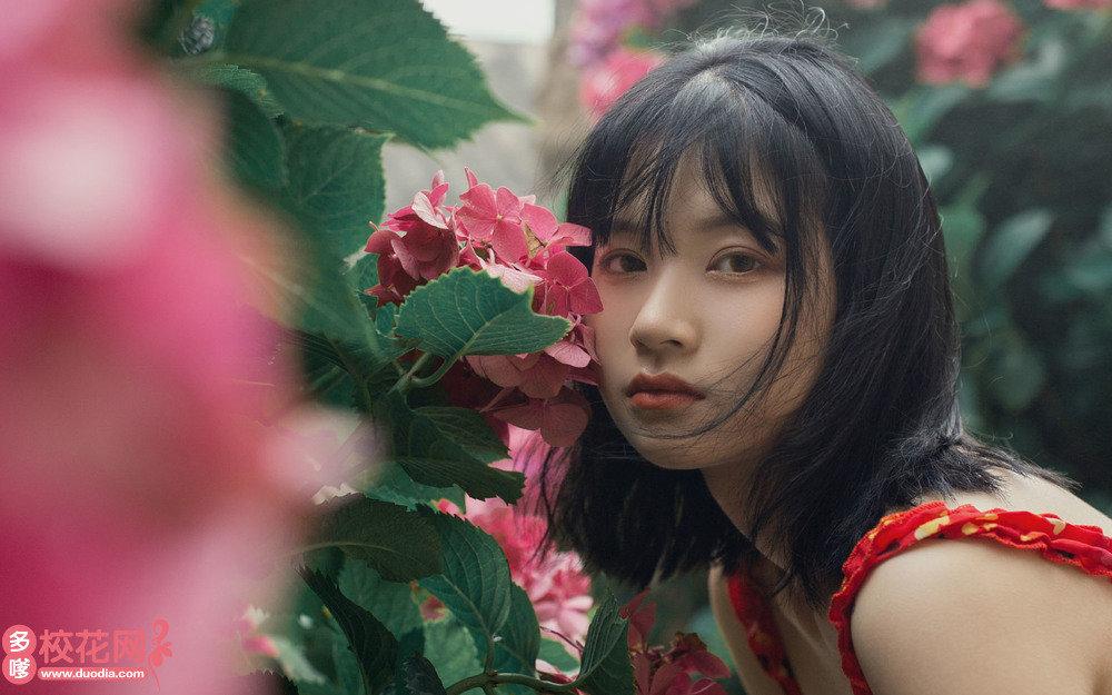 武汉市第六十五中学美女校花周家燕私人摄影