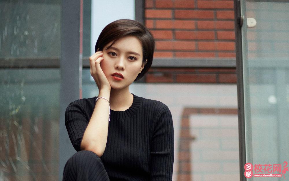 泌阳县第一高级中学美女校花刘青月私房美照