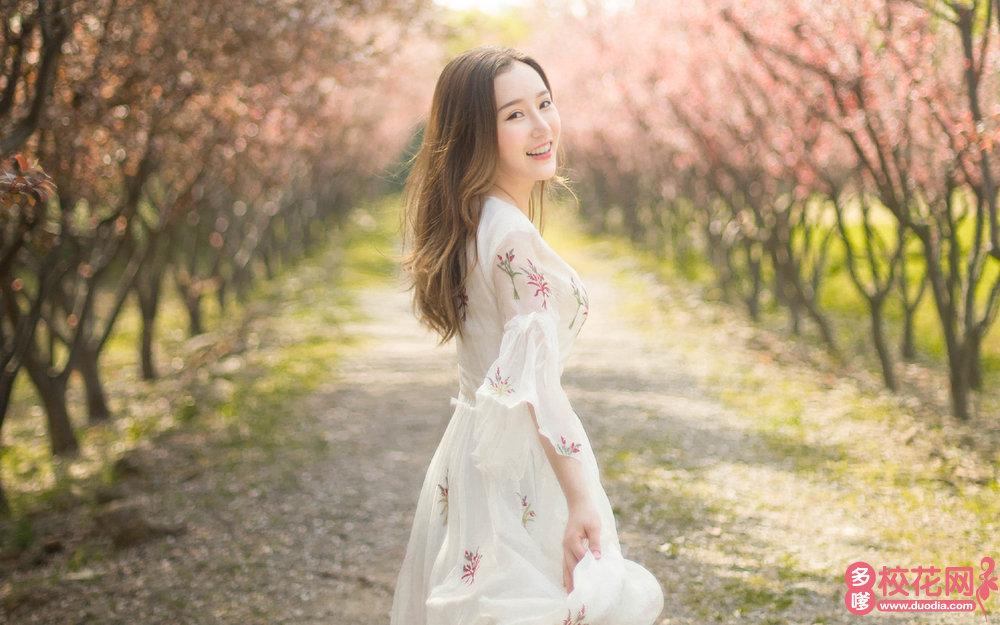 商水县第一高中美女校花冯霜茹私拍写真