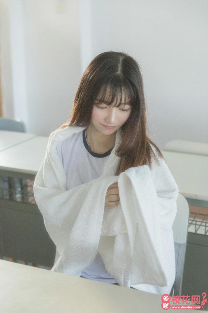 北京电影学院现代创意媒体学院美女校花朱夏莹私房照