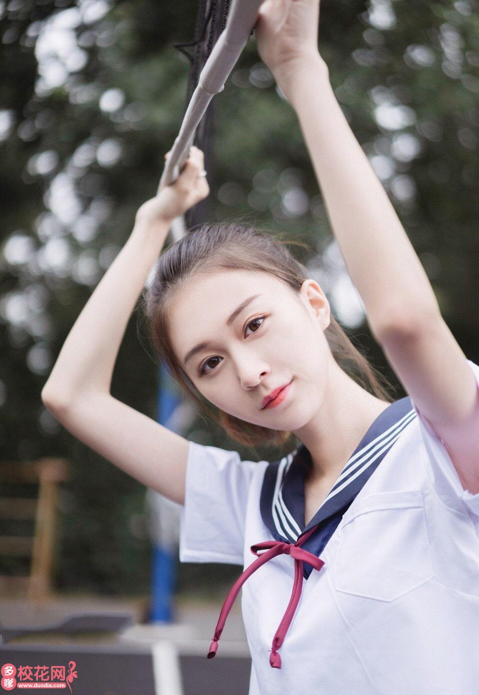 中国青年政治学院美女校花牛婵媛私房图片