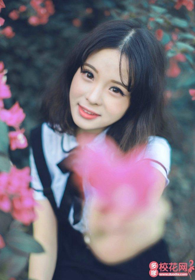 江苏大学美女校花王喜红艺术照片