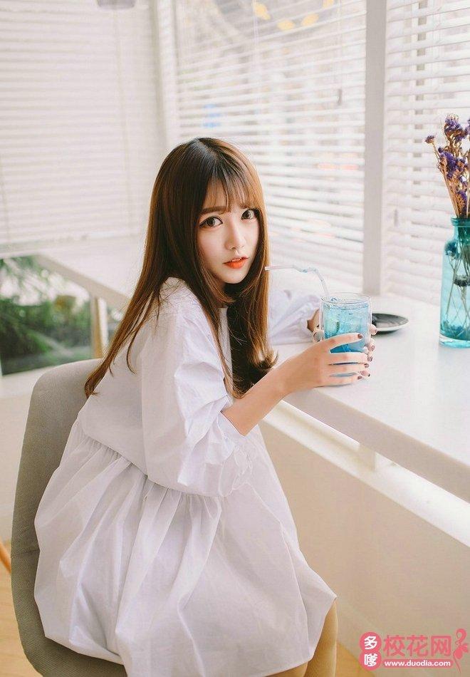 沈阳大学美女校花杨雅茗私家摄影